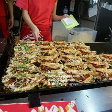 大阪美食 - 超便宜140円 椰菜燒餅キャベツ焼き (難波)